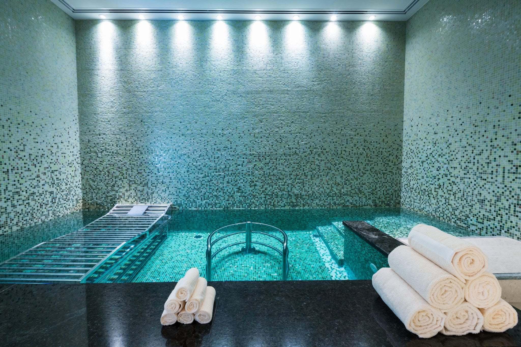 Shading Blends - Four Seasons Hotel, Abu Dhabi, UAE Slider
