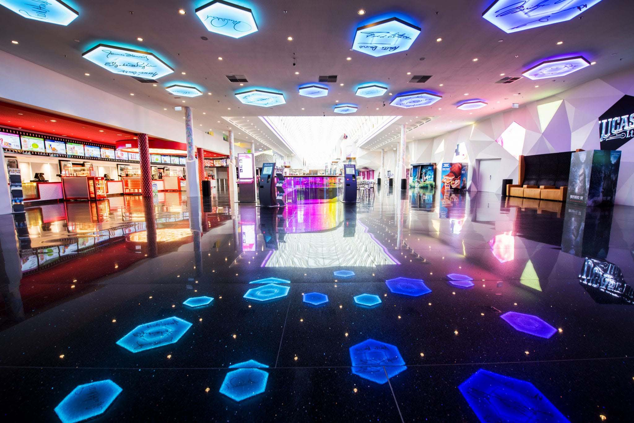 Pluscity, First Class Shopping in Pluscity, Linz, Austria